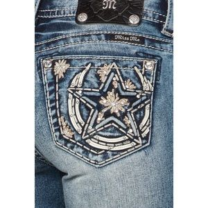 Miss Me | horseshoe star bootcut jeans